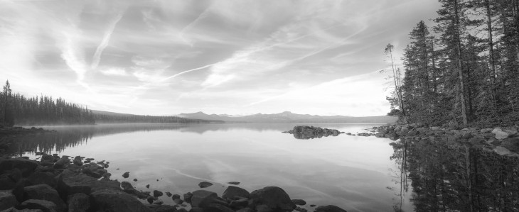 waldo-lake-original-pano-bw